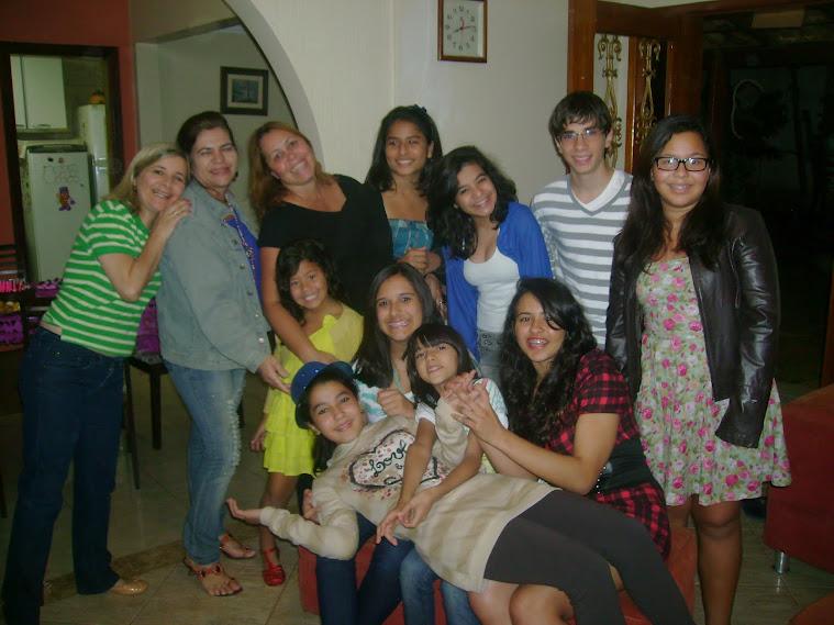 surpresa da UPA para comemorar aniversário da Marina - 2012