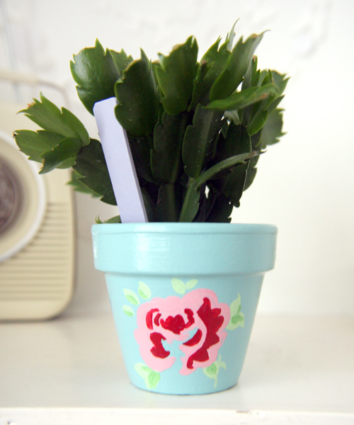 Flower+painted+shabby+chich+terracotta+flower+pot DIY Painted Terracota Plant Pot | Mothers Day Gift Idea