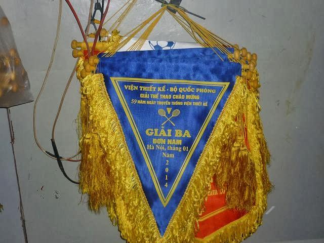 Nhận in cờ tam giác trắng ,vàng ,xanh ,đỏ