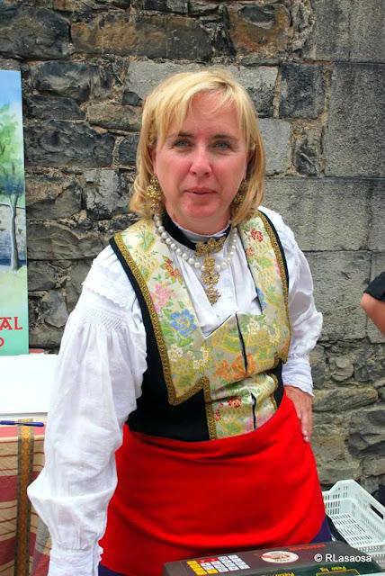 Vestido de El Roncal no dia do Queijo