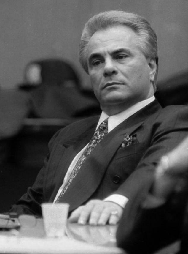 John Gotti in court, John Gotti, Dapper Don, Trial, court case, Famous Mafia Pictures, Iconic Mafia Pictures, Mafia, Mobsters, Cosa Nostra,