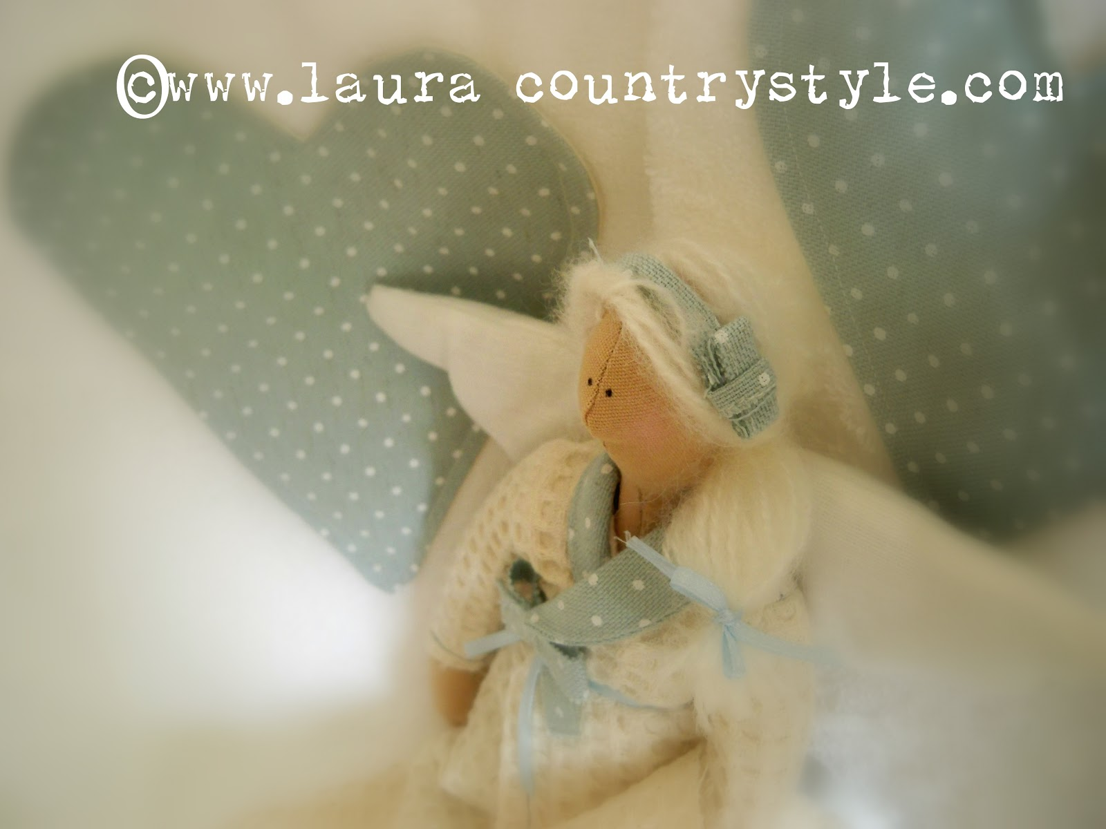 Laura country style azzurro polvere