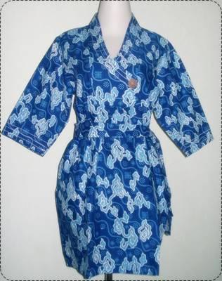 Model Baju Batik Wanita Motif Mega Mendung