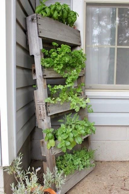 macetas madera exterior. good puerta exterior de madera u fotos de