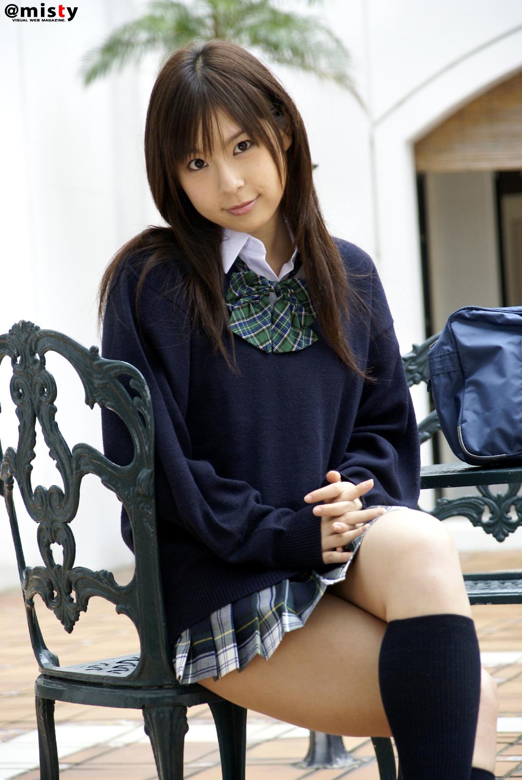 SanoKjiji sexy: Tokyo teen posing in school uniform
