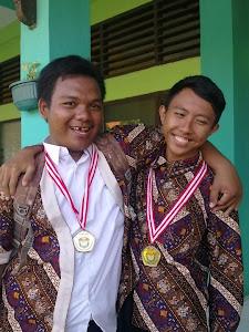Wawan & Muhadi pada Wisuda Kelas XII Tahun Ajaran 2011/2012 SMK Negeri 1 Indramayu