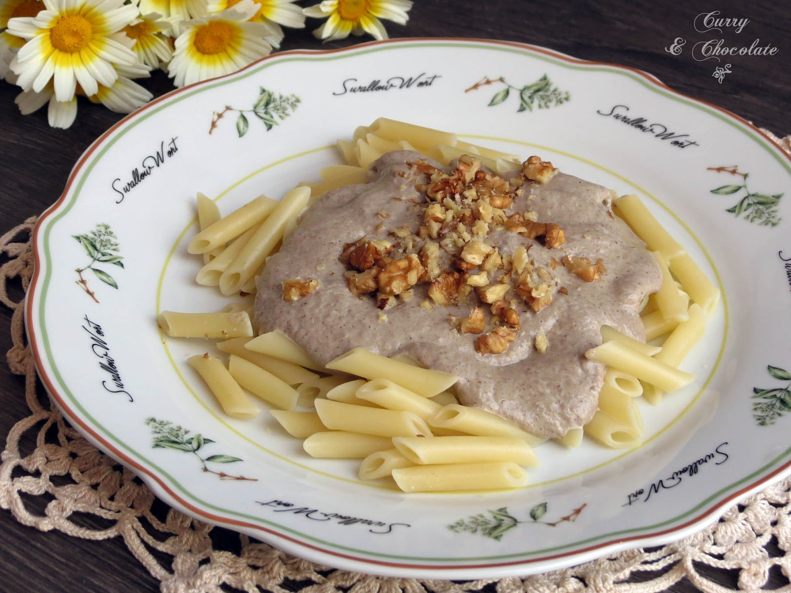 Pasta con crema de champiñones y nueces -  Pasta with mushroom cream sauce and walnuts