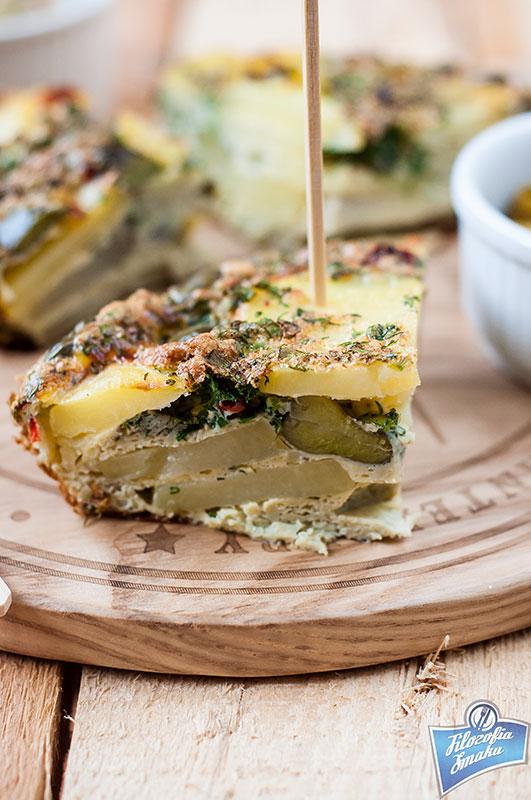 Omlet z ziemniakami i bobem
