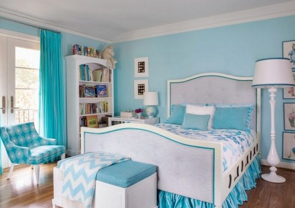 Light blue bedroom decorating ideas for brighter for Bedroom ideas light blue