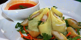 Seafood Eggroll with Hot Sweet Sauce