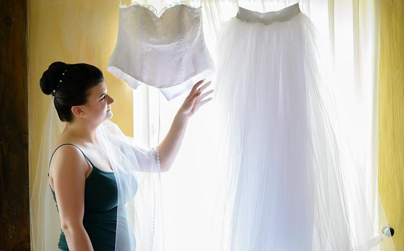dviejų dalių nuotakos suknelė