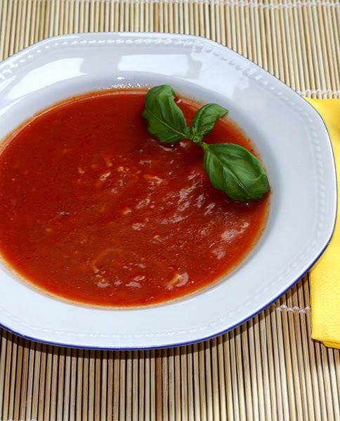 Amazing Pinterest world: Easy Tomato Soup