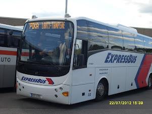 EXpressbussilla 2 tunnissa Tampere-Lahti väli