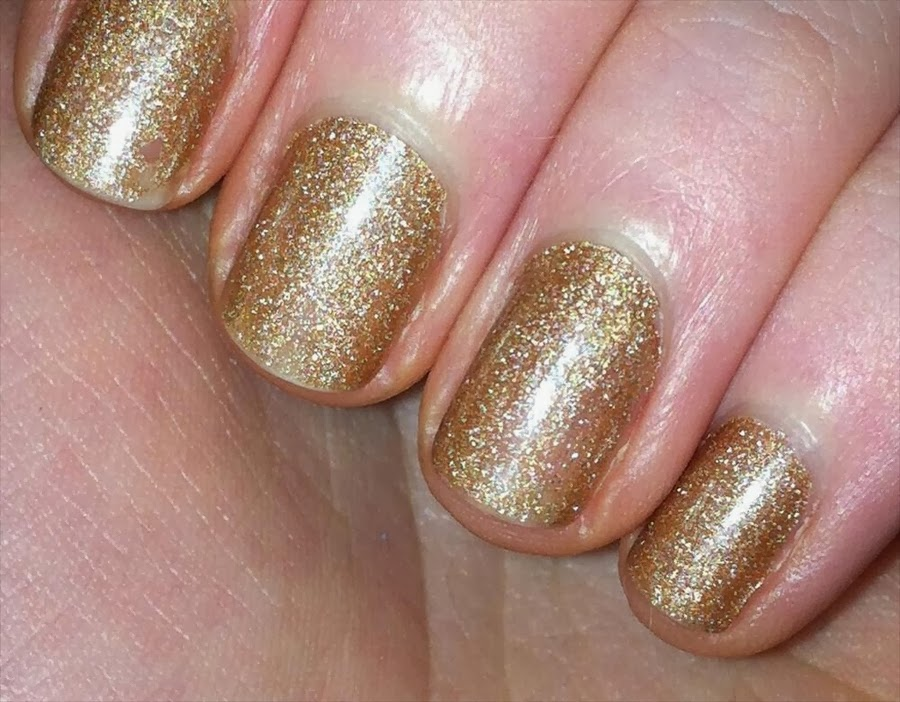 New Gold Nail Art Design http://nails-side.blogspot.com/