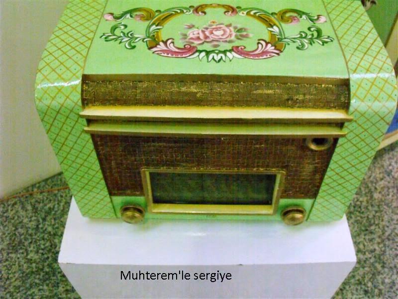 wood painting radio
