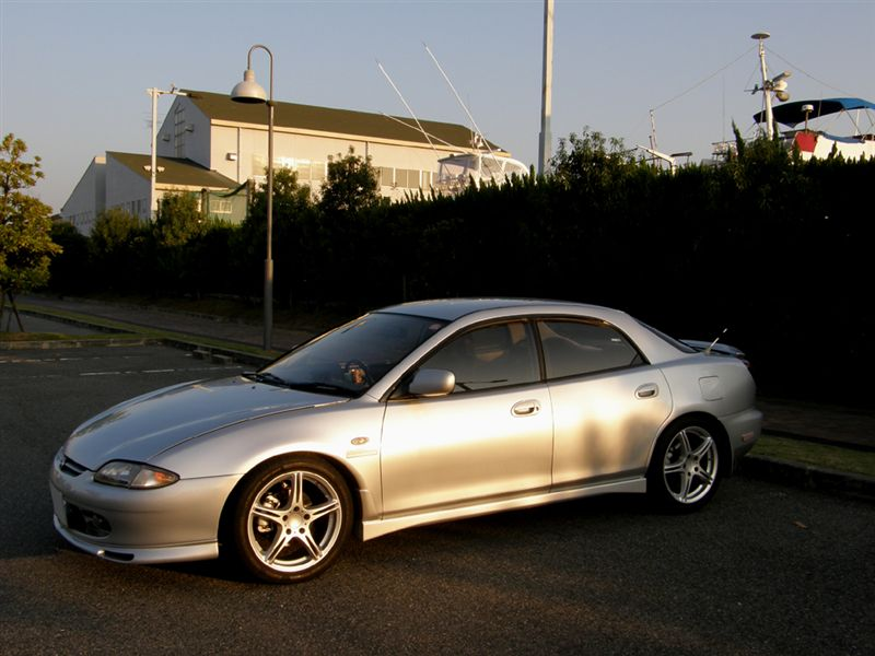 Mazda Lantis Sedan