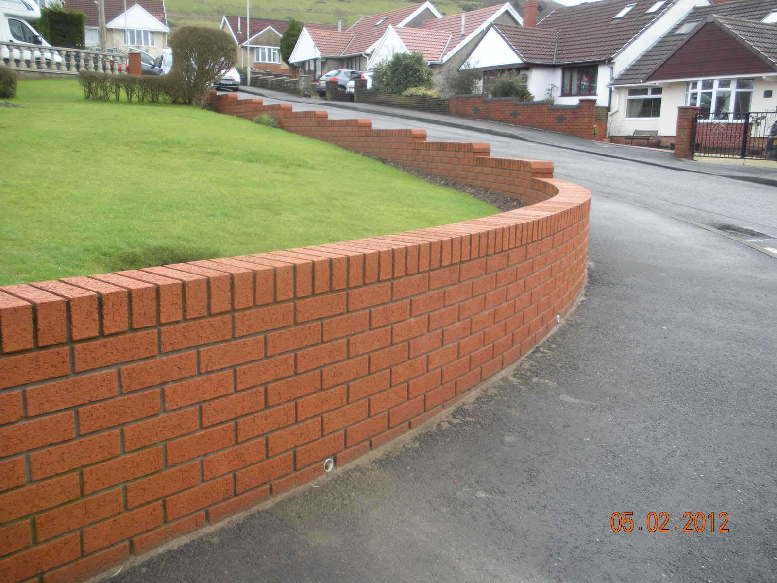 how to build a small brick wall
