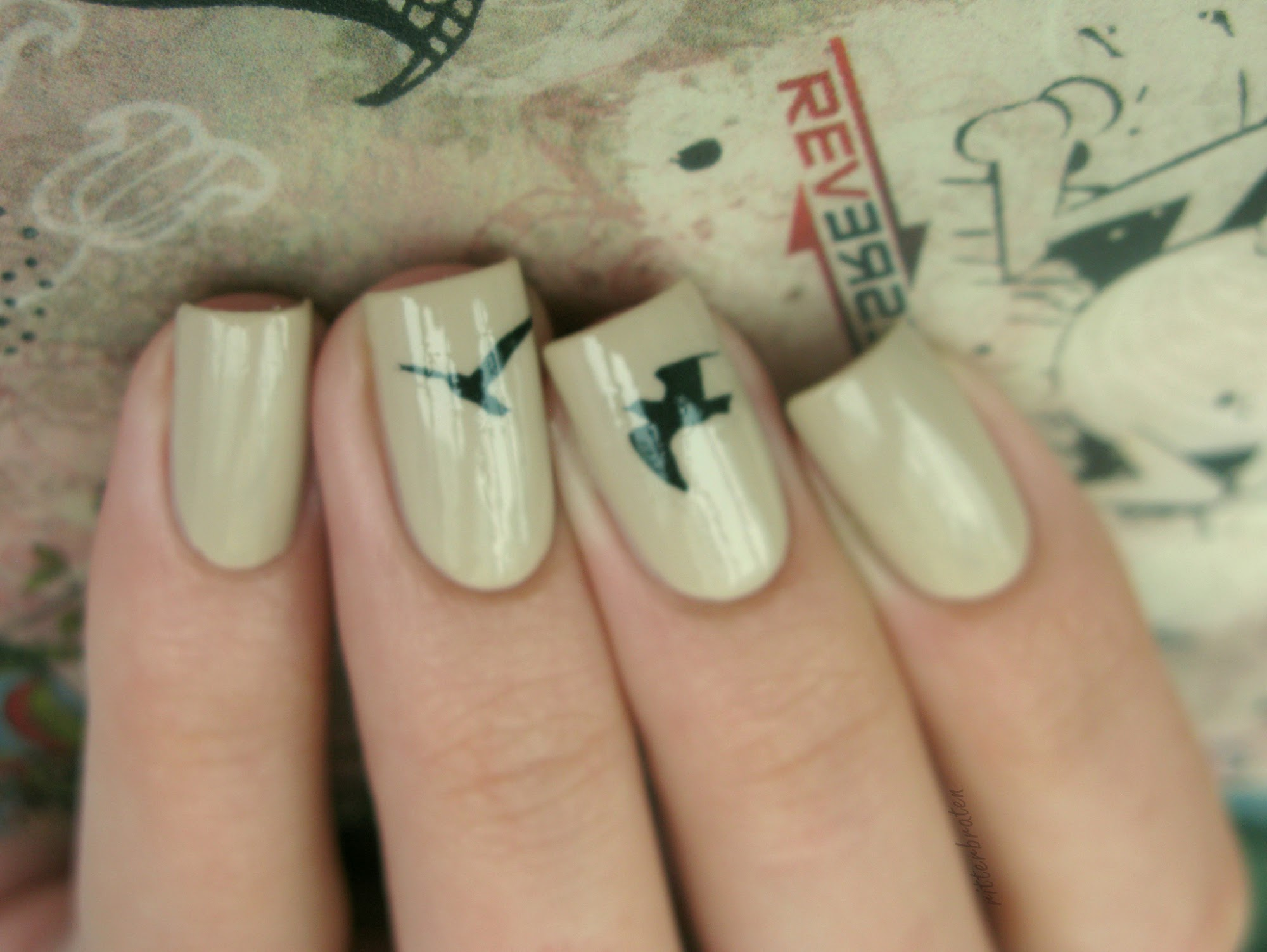 birds nail design