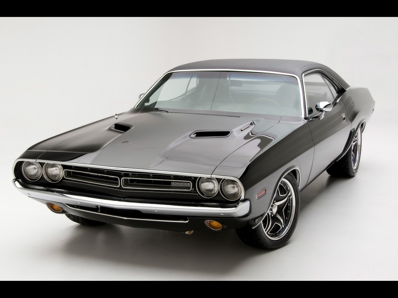 the hottest muscle cars in the world most legendary ten. Black Bedroom Furniture Sets. Home Design Ideas