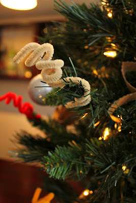pipe cleaner tree - Turtles and Tails blog