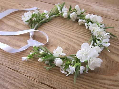 Des couronnes de fleurs fraiches blog lifestyle vanessa lekpa - Tuto couronne de fleur ...