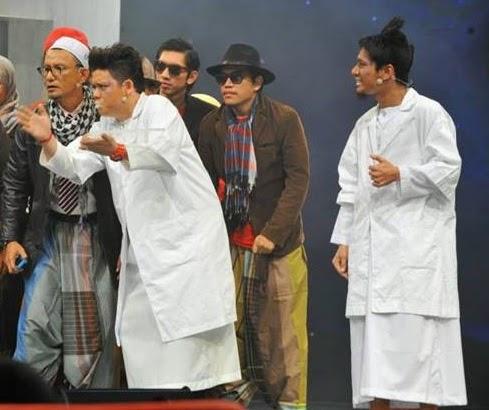 MMMMM menang battle 3 kumpulan B Bintang Mencari Bintang 2, Ahli kumpulan MMMMM: Mohd Azwan Sabri (Azwan) & Mohd Ilham Rusdy (Ilham) Sifu MMMMM: Afdlin Shauki MMMMM menang battle 3 kumpulan B