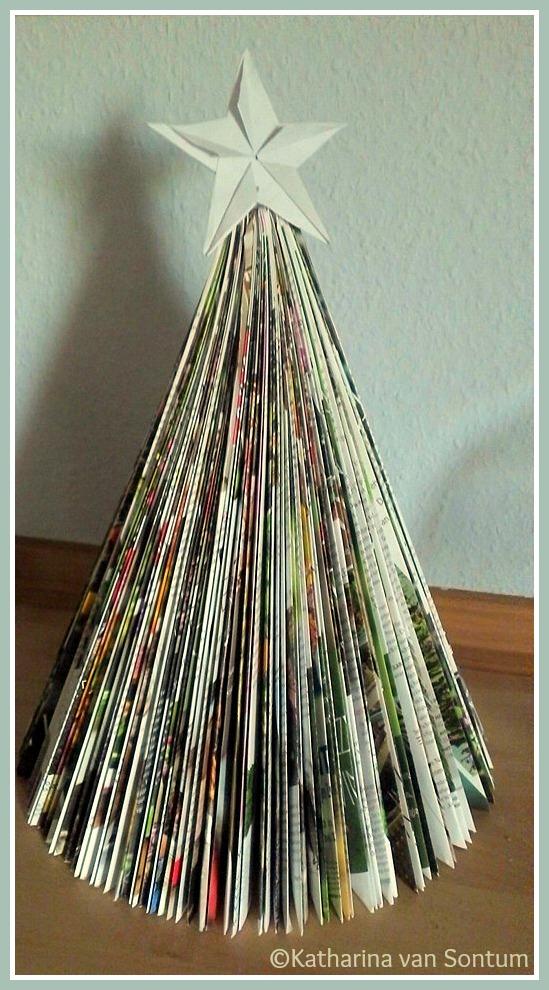 ich hab da mal was ausprobiert papier weihnachtsb umchen aus alter zeitschrift. Black Bedroom Furniture Sets. Home Design Ideas