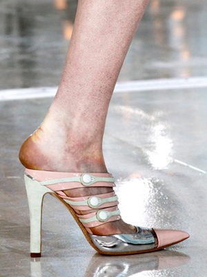 a27240186f4 This is a gorgeous pair of heels. I love high heels