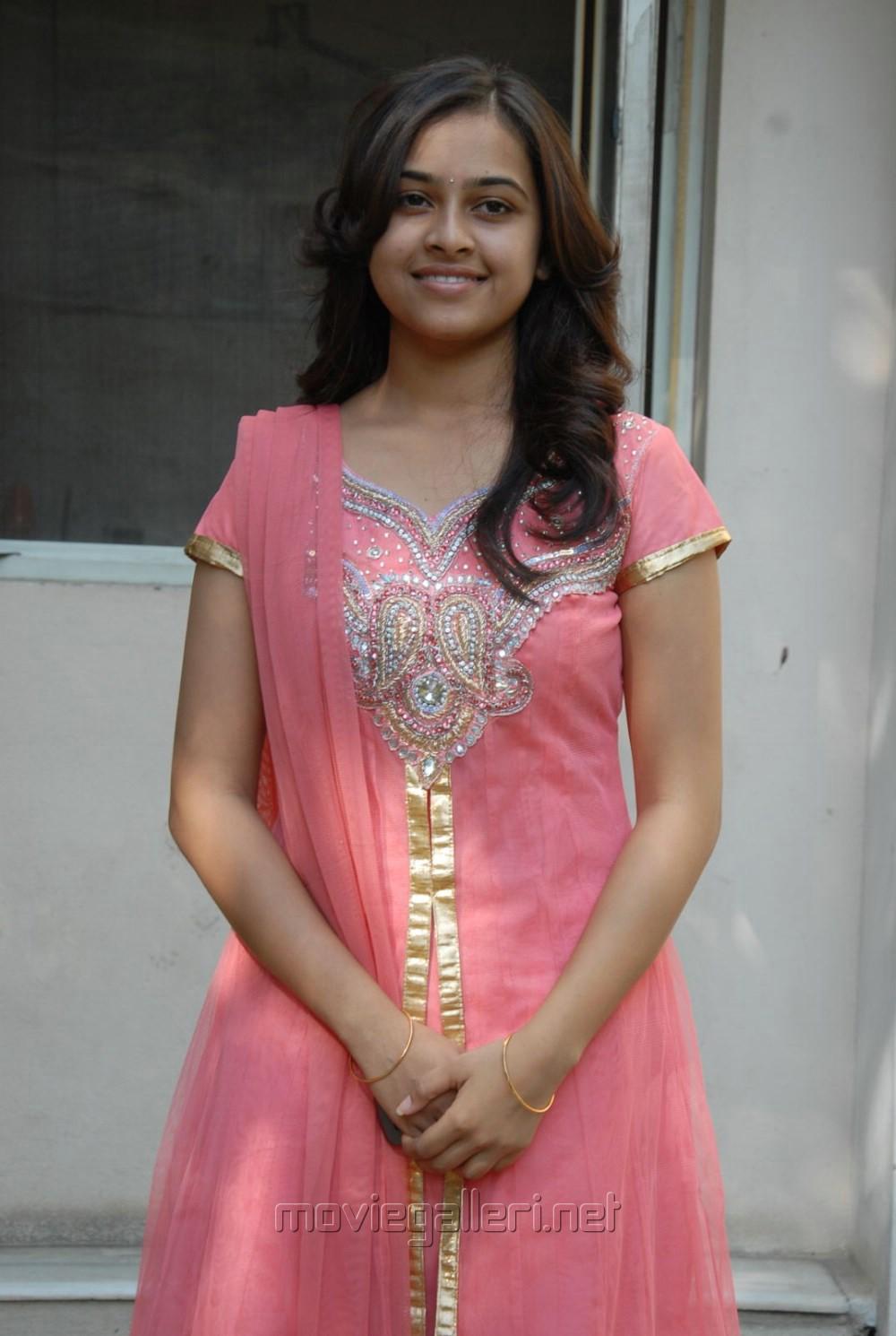 desi indian hot girls radha s indian ethnicity indian hot designer