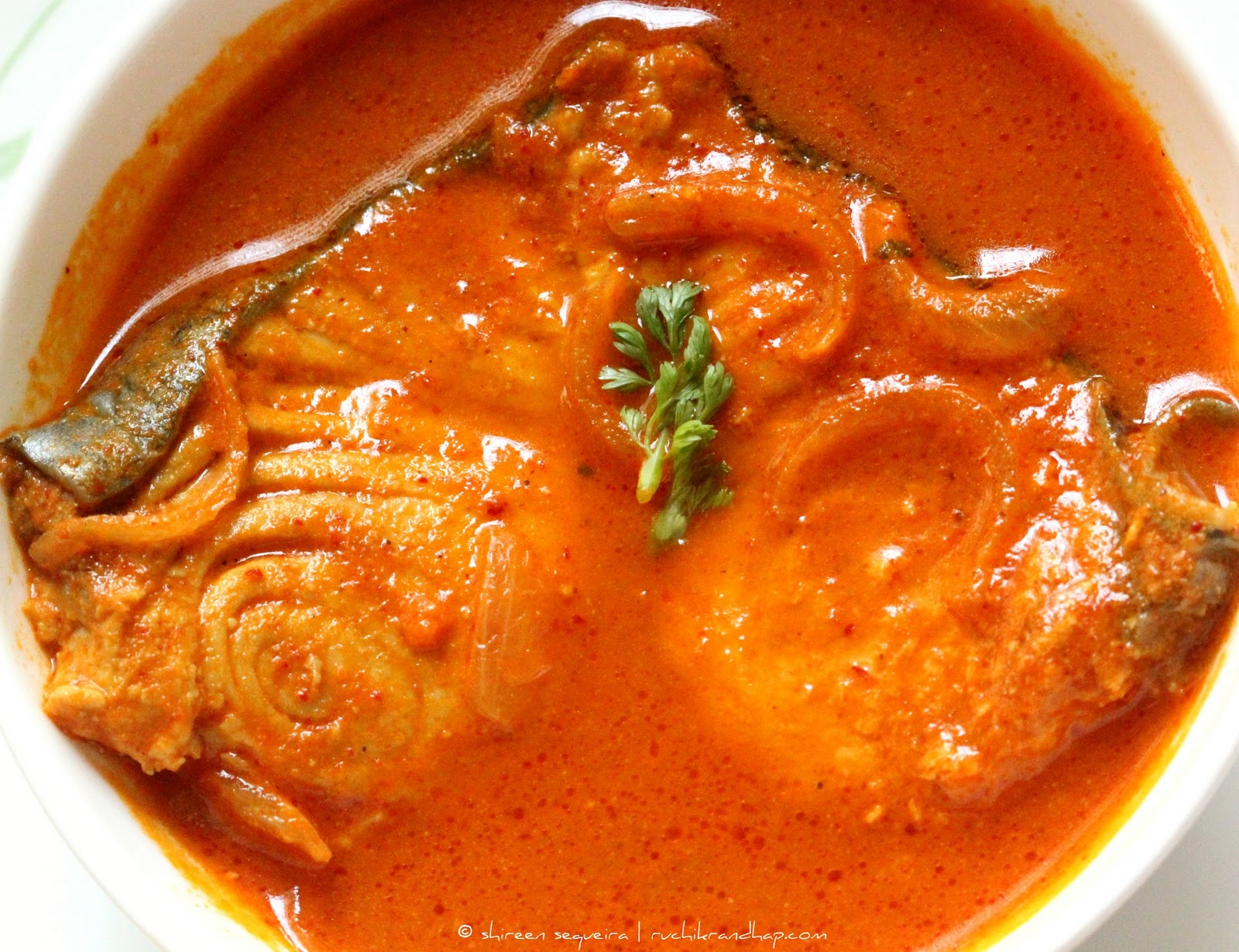 Special surmai kingfish curry with or without coconut for King fish recipe