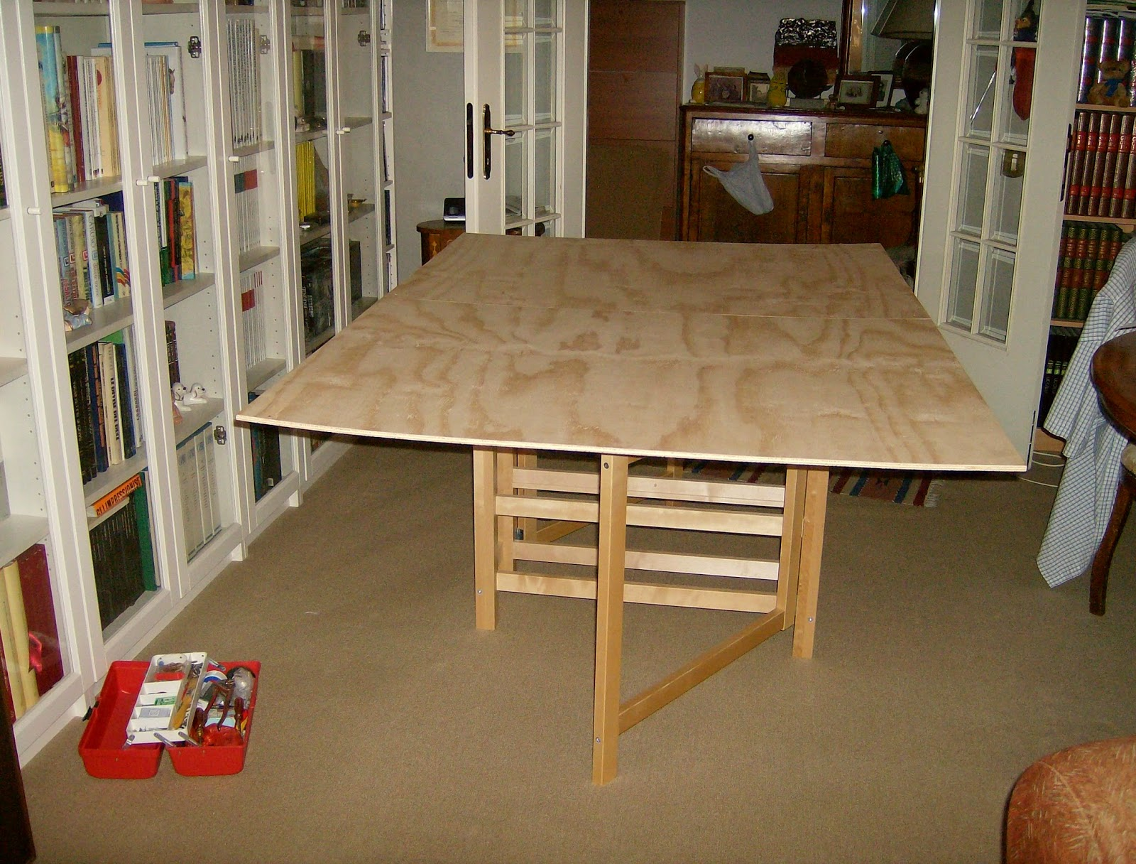 Etagere Expedit Ikea Occasion ~ wargame superimposed on the folding table Ikea (the central drawers