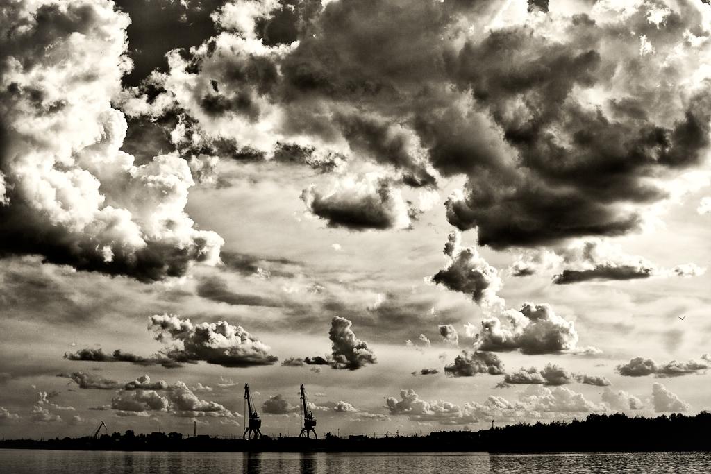 Берег реки Иртыш...2011 год..Раменское!