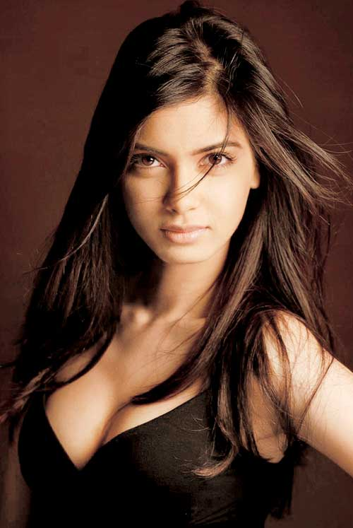 Free nude pictures of diana penty