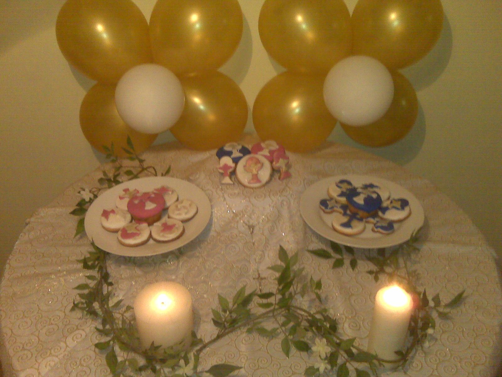 Galletas y ponquecitos decorados para primera comuni n for Decoracion de pared para primera comunion