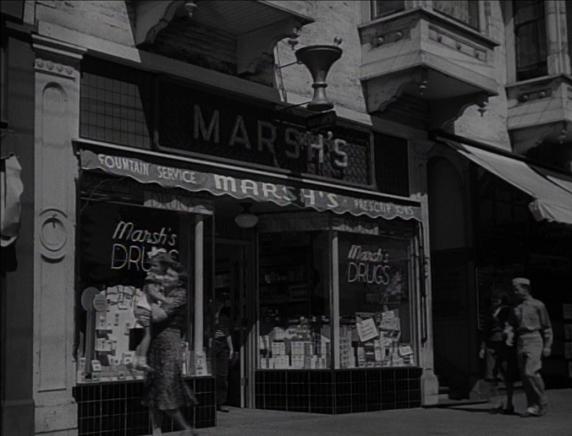 HAPPY LAND (1943) Primeros treinta segundos de celuloide de Natalie Wood