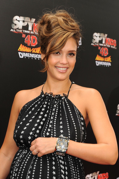 Jessica Alba Hairstyle Haircut Ideas Jessica Alba Messy Updo Hairstyle