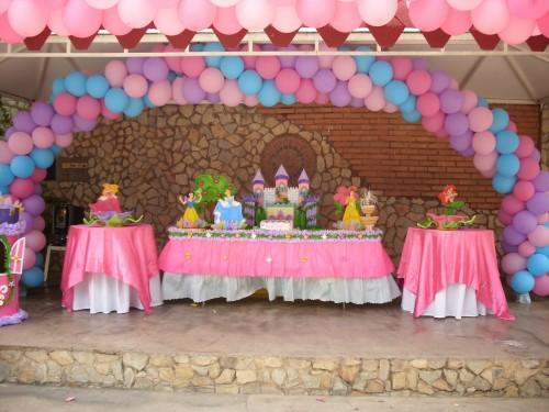 Arreglos con globos para fiestas fiestas y todo eventos for Todo decoraciones