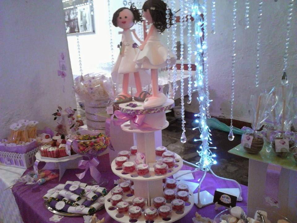 mesa de dulces iluminada para boda con fofuchas novias okmira