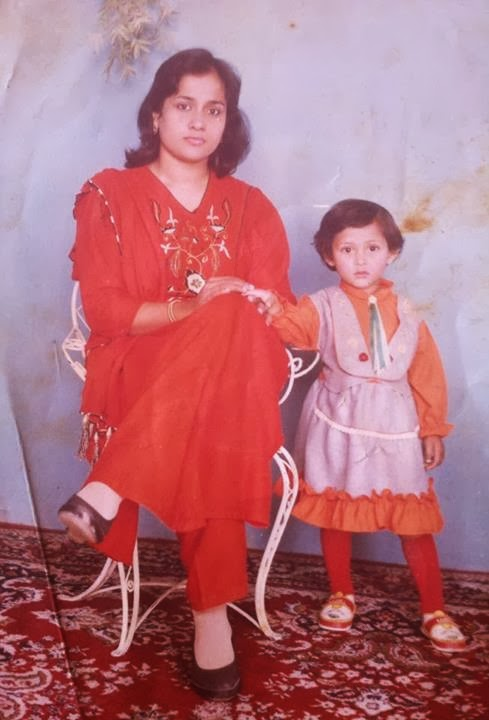 Childhood Photos of Lux Channel i SuperStar Mehjabin