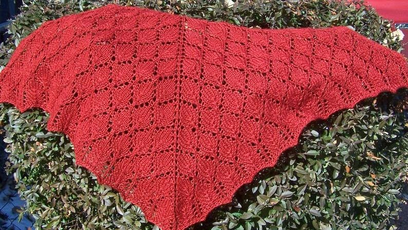 Knit a beautiful lace shawl