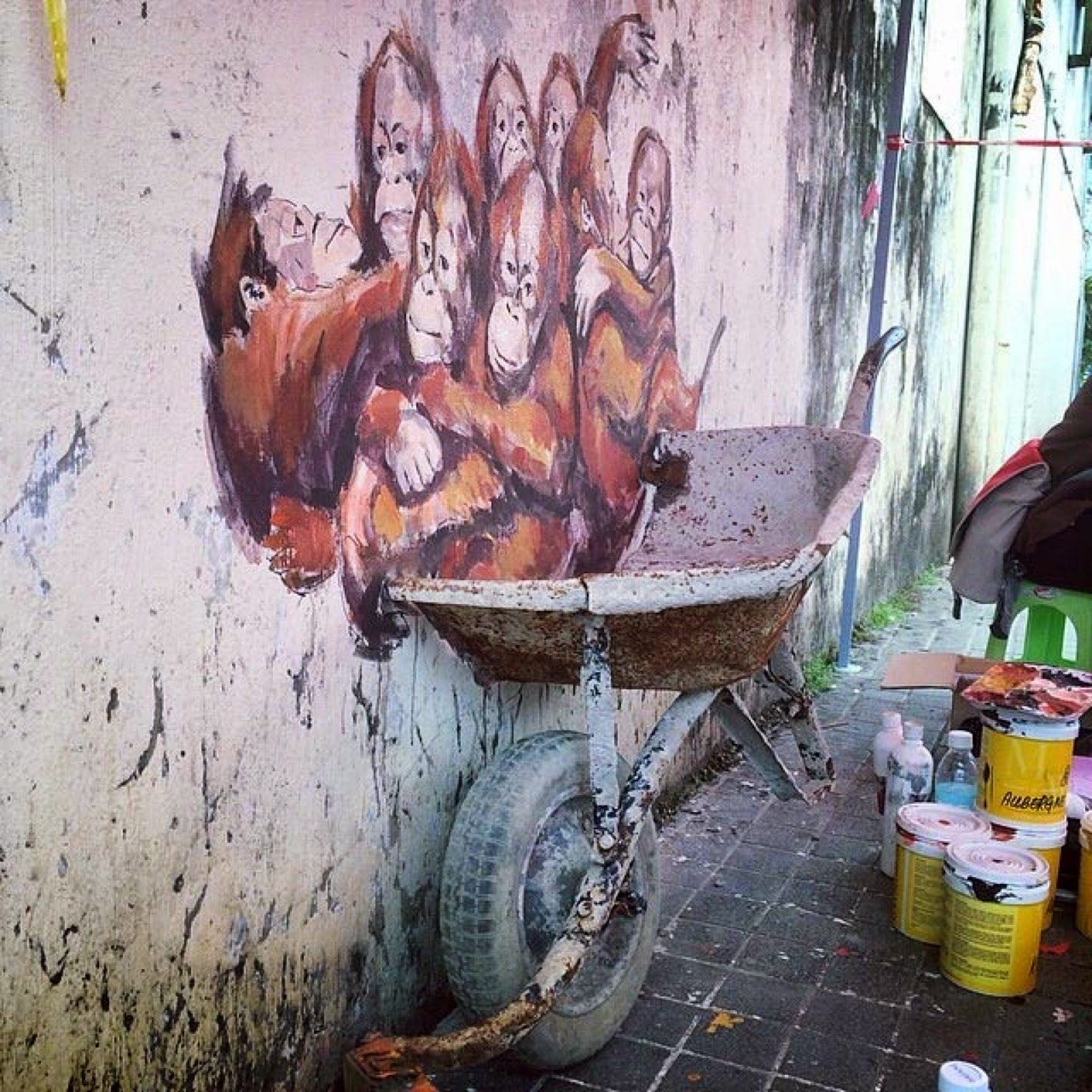 Ernest zacharevic new pieces kuching malaysia for 7 mural ipoh