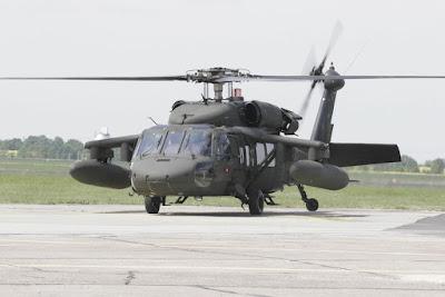 В интернете появились фотографии 4 американских вертолетов Sikorsky UH-60A Black Hawk. Сделаны они во Львове.