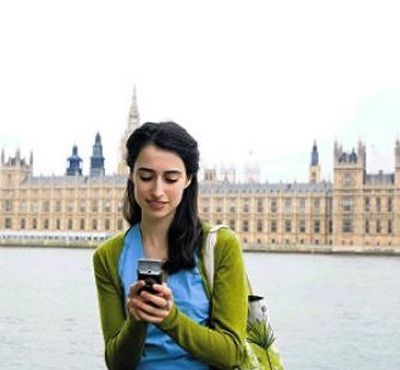 How to avoid data roaming while travelling abroad? Handy Tips