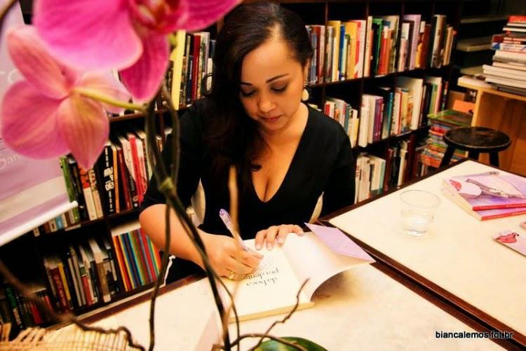 """Entrevista com Yohana Sanfer, autora de """"Da Boca pra Dentro"""""""