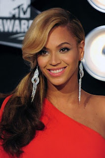 Beyonce warned to safeguard bank account