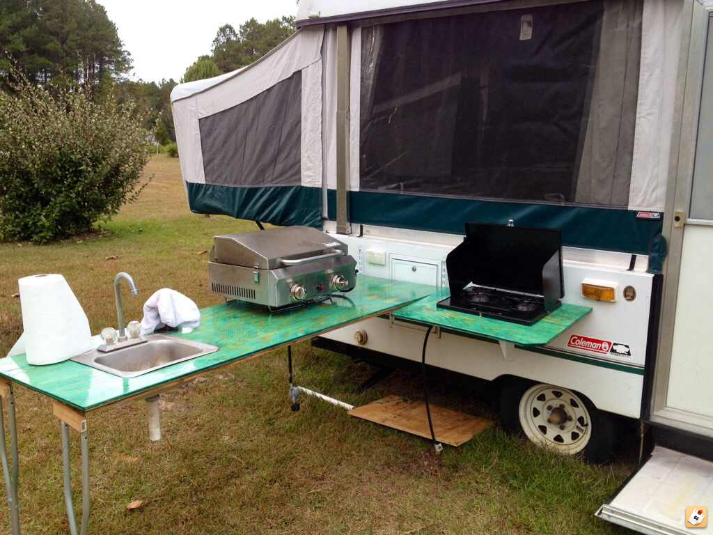 Rv dream girl outside kitchen for tent trailers pop ups for Outdoor camping kitchen ideas