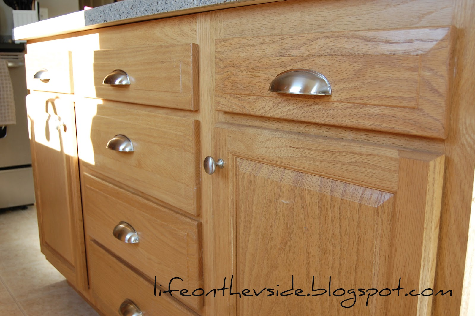 On the v side kitchen jewelry for Kitchen cabinets handles ideas