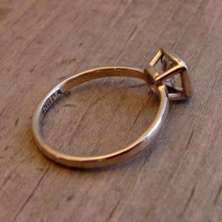 peekaboo bezel ring