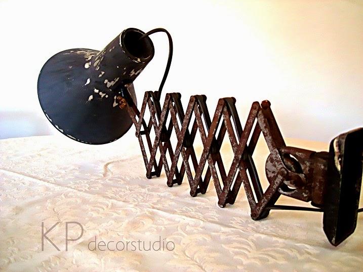 Apliques y flexos vintage en valencia. Tienda de lámparas estilo industrial auténticas.