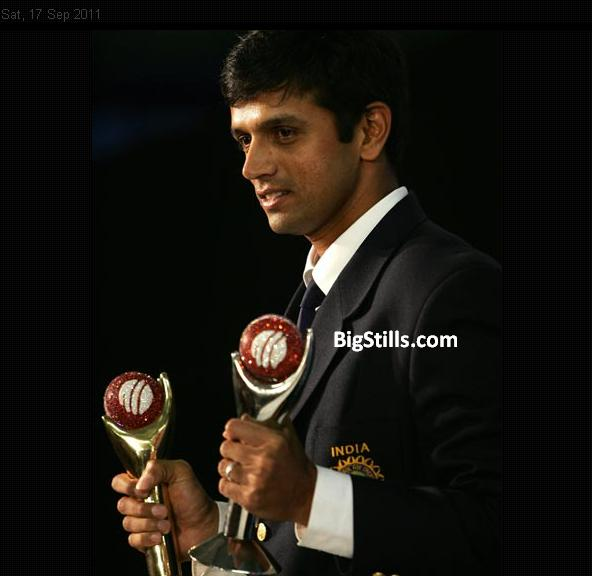 Rahul Dravid with his two trophies at the ICC Awards 2004